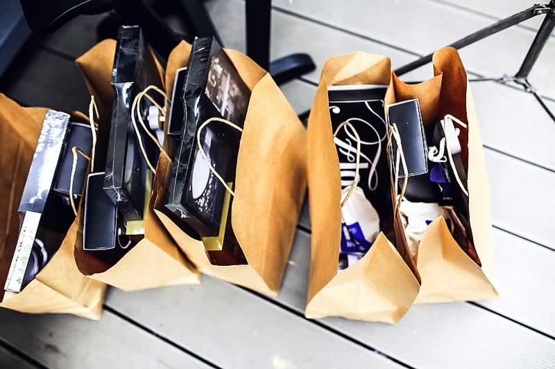 diversas sacolas de compras