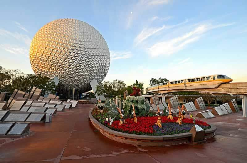 parque disney epcot com bola Spaceship Earth