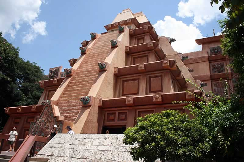 pirâmide do méxico no epcot